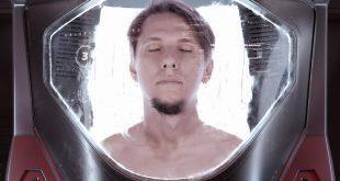 Hyperomm - In My Own Spaceship